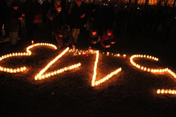 Sviečková vigília IOM 2015