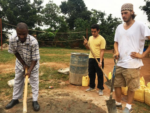 Volunteer in Uganda and help a manual labourer learn building skills