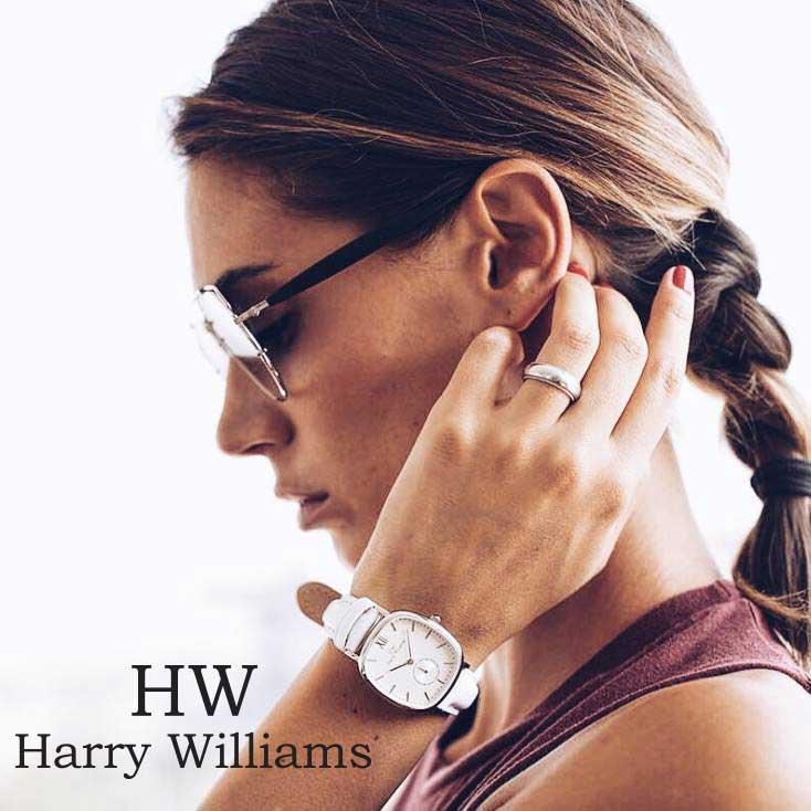 Τα ρολόγια Harry Williams ξεχωρίζουν από τις καθαρές τους γραμμές και από το μινιμαλιστικό design το οποίο τα κρατάει στην μόδα για πολύ καιρό.