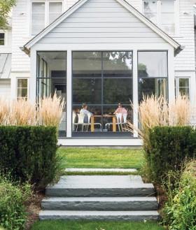 http://cottages-gardens.us1.list-manage1.com/track/click?u=549a6a8fc0ef9f9e1876460fc&id=941fa5edd1&e=22ad9e557d