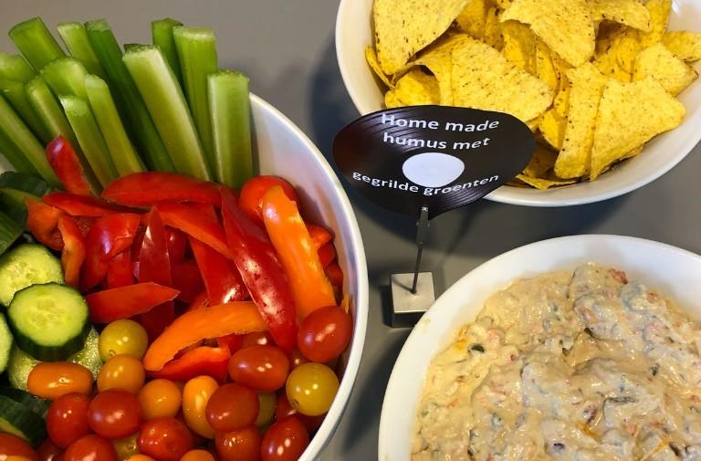 hummus met gegrilde groente