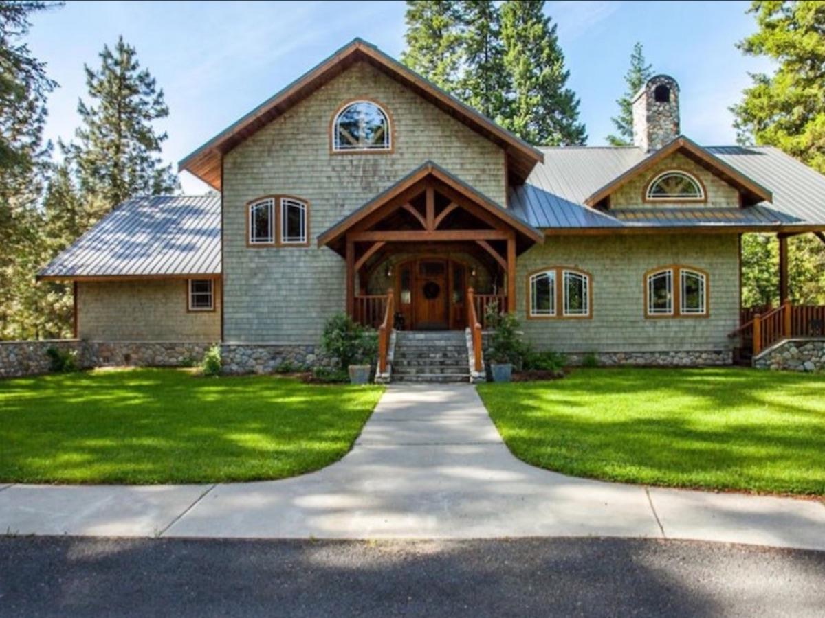 Snowgrass Lodge