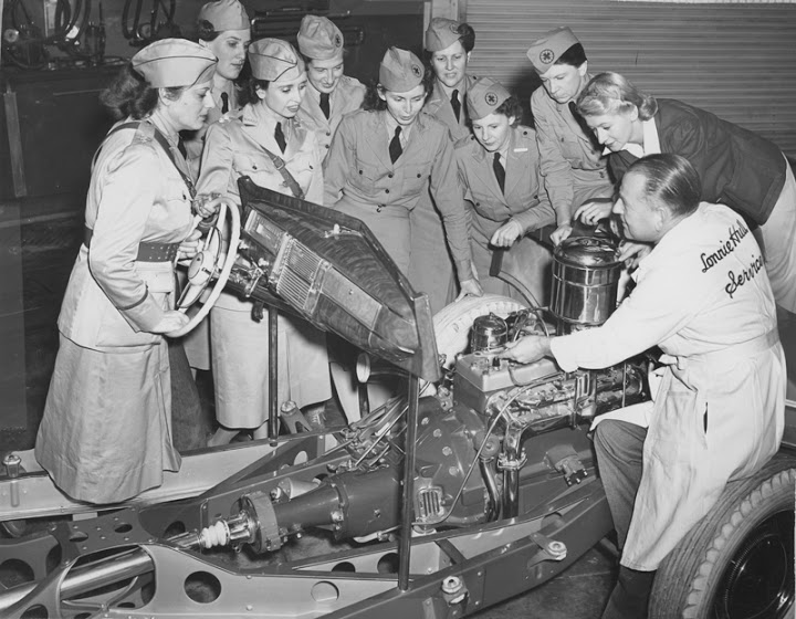 Second Lieutenant Dorothy Putnam (second woman from right) in her first mechanics class. Circa 1942. Courtesy of ONE National Gay & Lesbian Archives at USC Libraries.