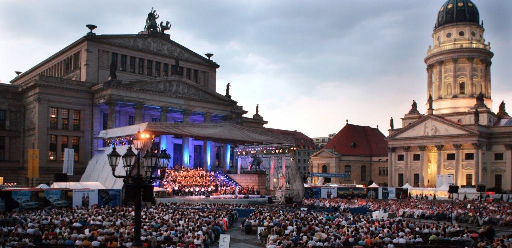 El Classic Open Air Festival en el Gendarmenmarkt de Berlín-   Fuente: DAVIDS Copyright