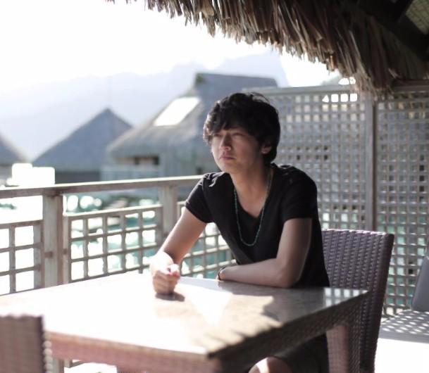 Joji Shibue à Bora Bora pour l'émission Nikkei Otona No Off