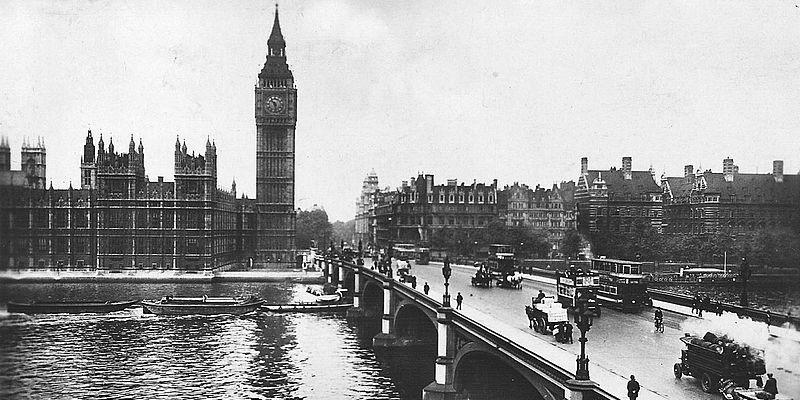 Westminster Bridge in 1928. Photo: Leonard Bentley