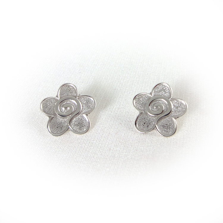 Maui sterling silver flower earrings