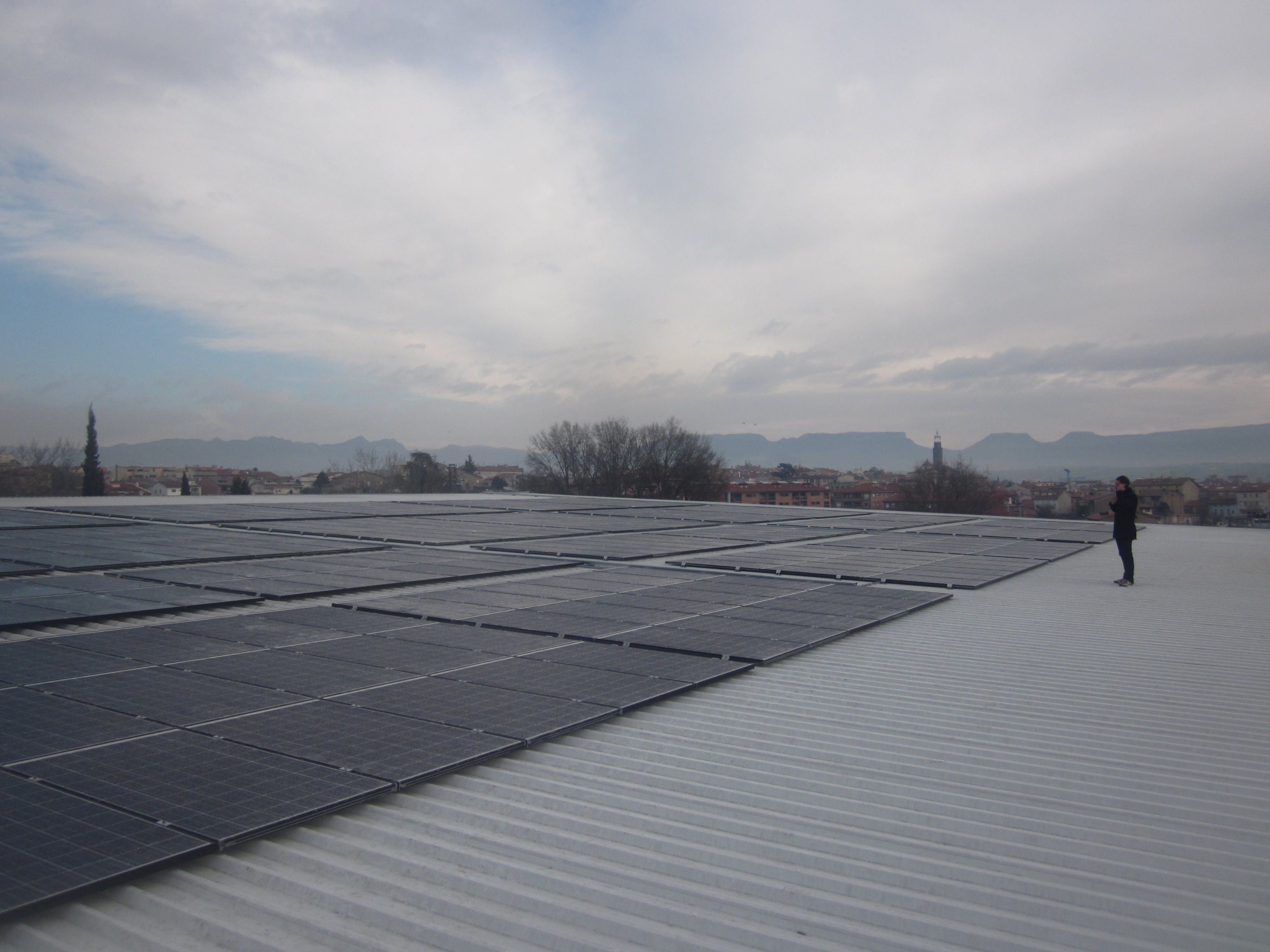 Cubierta fotovoltaica en Manlleu