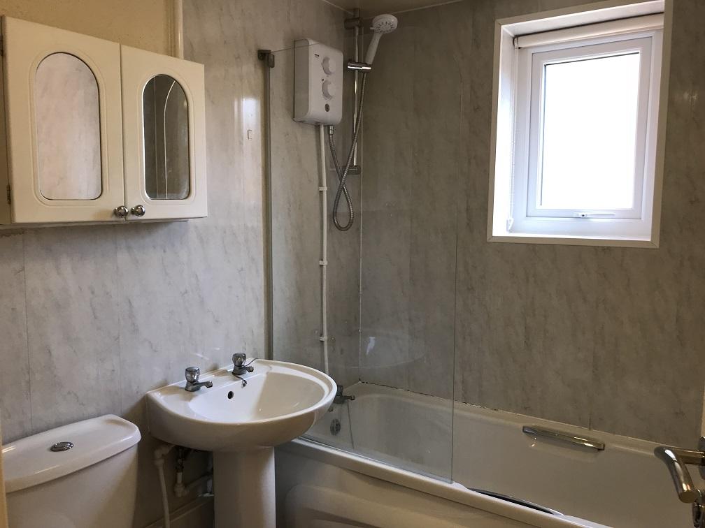 Student bungalow bathroom