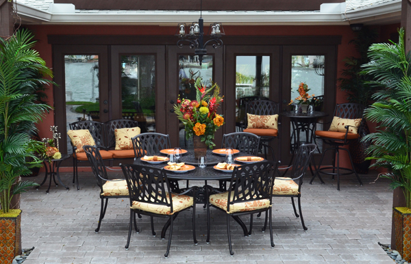 Trellis Outdoor Dining