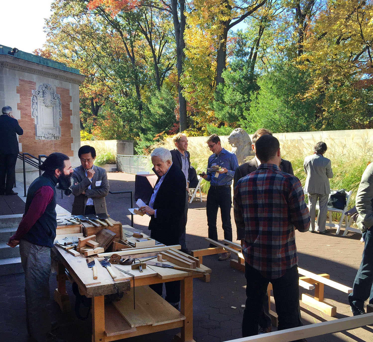 Kenneth Frampton at the Japanese saw table Wood at Work 2015