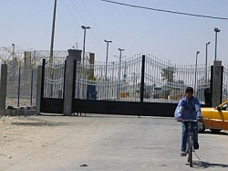 And one wishes to move to the West Bank? Rafah crossing, 3.30.2005. Photo: PHR