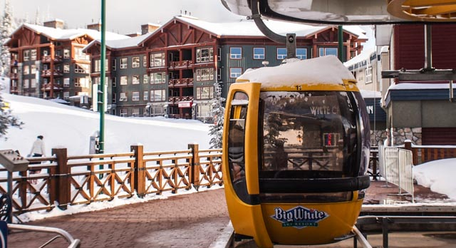 The Gondola in the heart of the village, with Stonebridge Lodge in the background. Truly a ski in/ski out location.