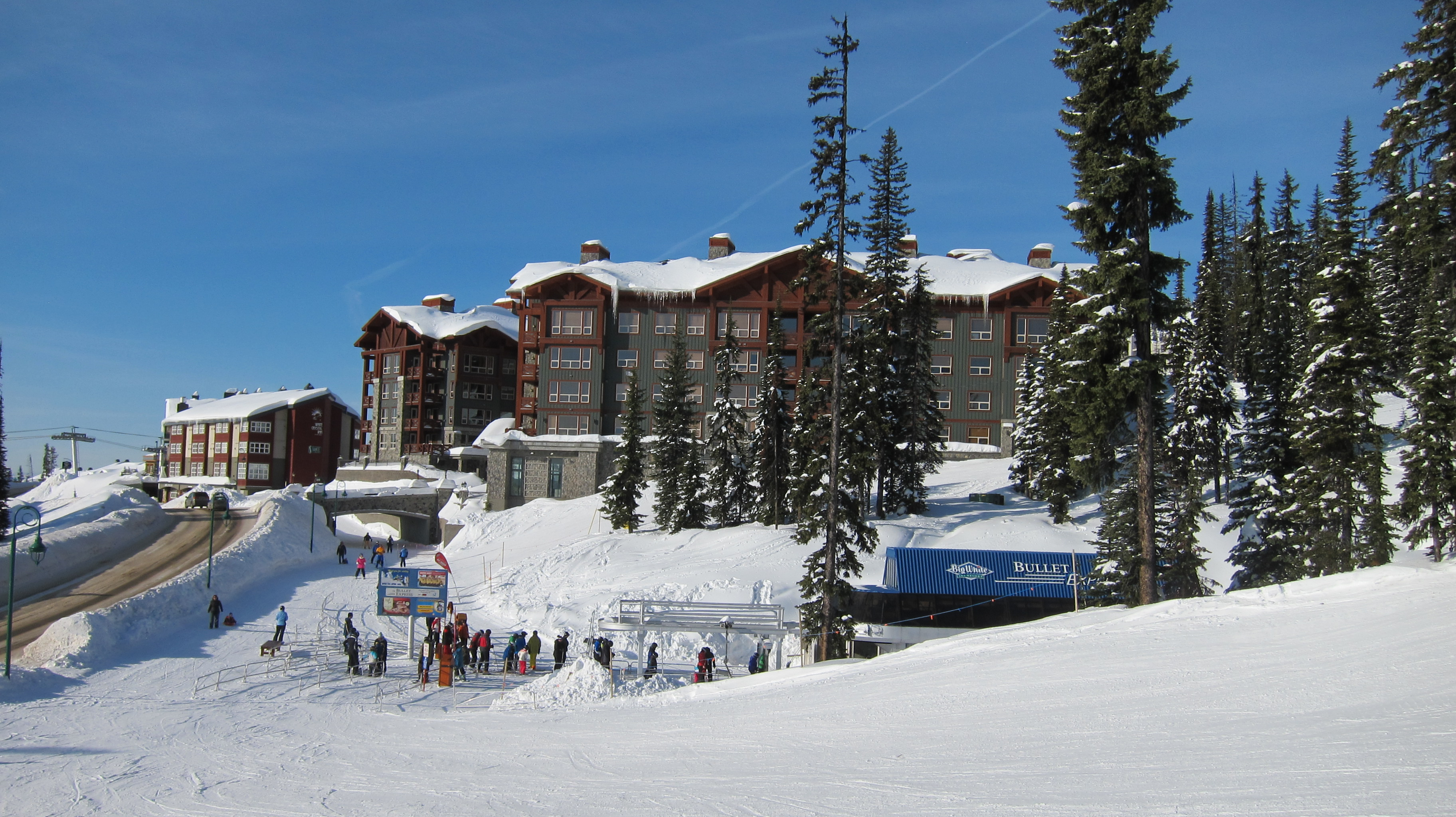 Stonebridge Lodge at Big White - ski in/ski out, next to the Bullet Chairlift