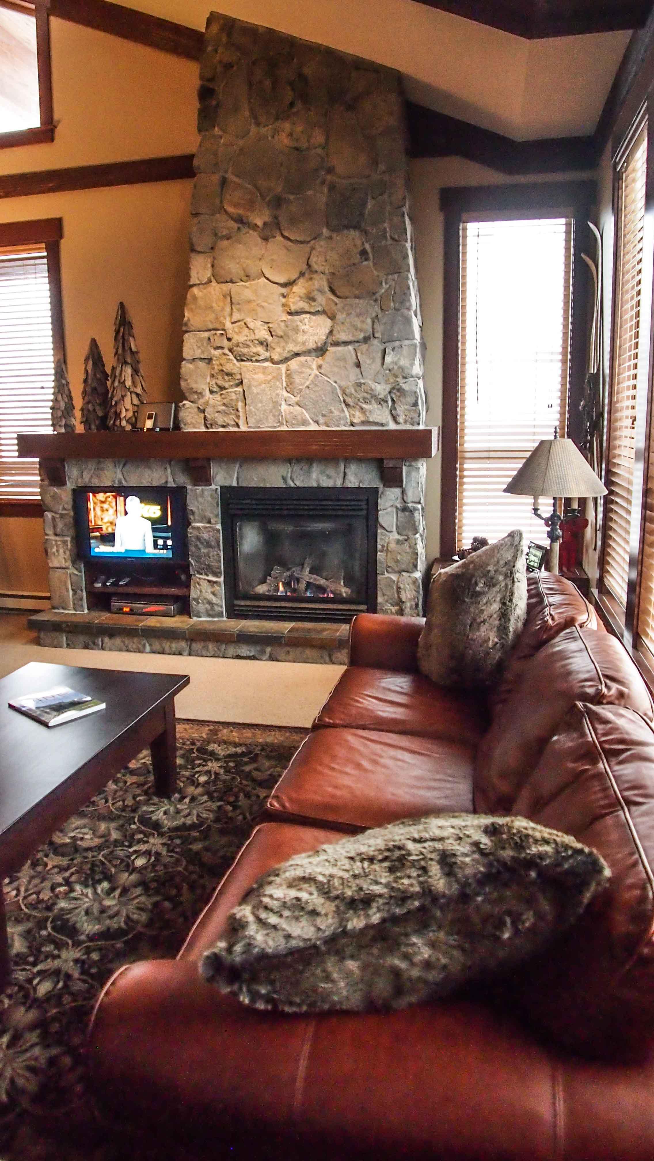 Enjoy the luxury stay at Stonebridge Lodge #2404