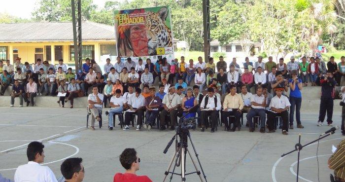 Dirigentes de Ecuador y Perú, participantes en el encuentro Binacional