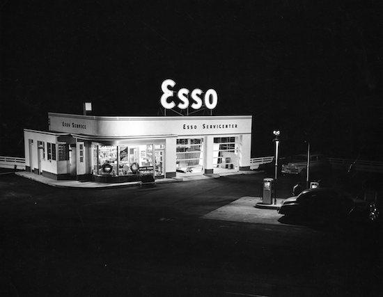 Esso, 1952