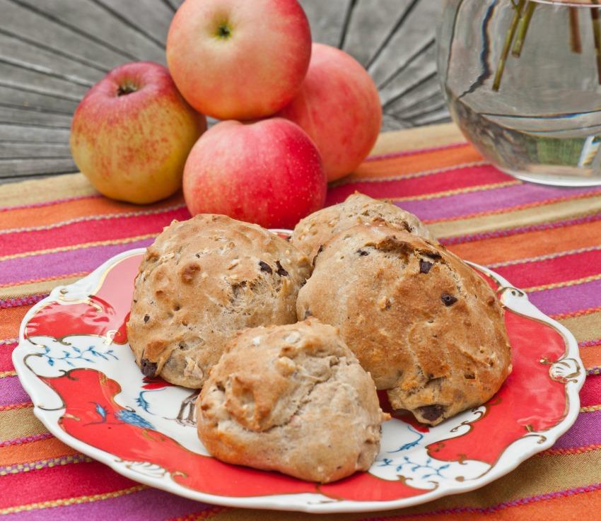 Bag æbleboller og lav æblesmør