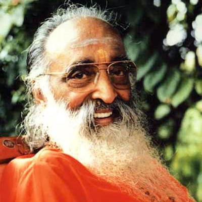 Pujya Gurudev, Swami Chinmayananda