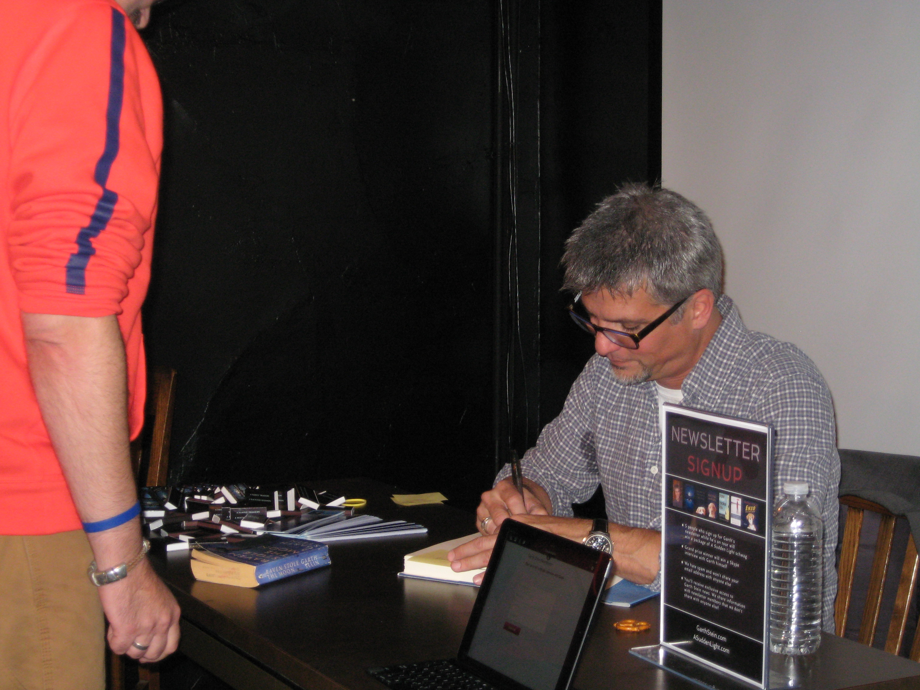 Garth Signing Books