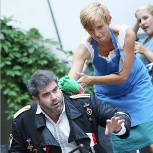 Virgil Hartinger (Hauptmann) - Gabriele Hierdeis (Sandrina)  - Angelika Niakan (Serpetta) (c) Reinhard Winkler