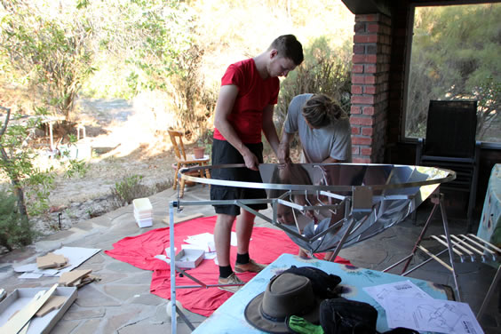 Building the solar cooker