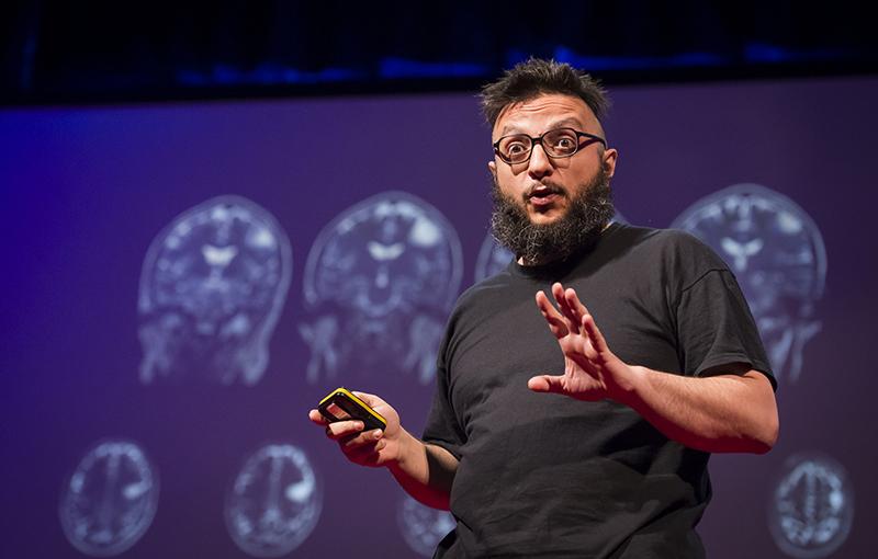 Salvatore Iaconesi, omul de stiinta care si-a pus tomografiile pe internet