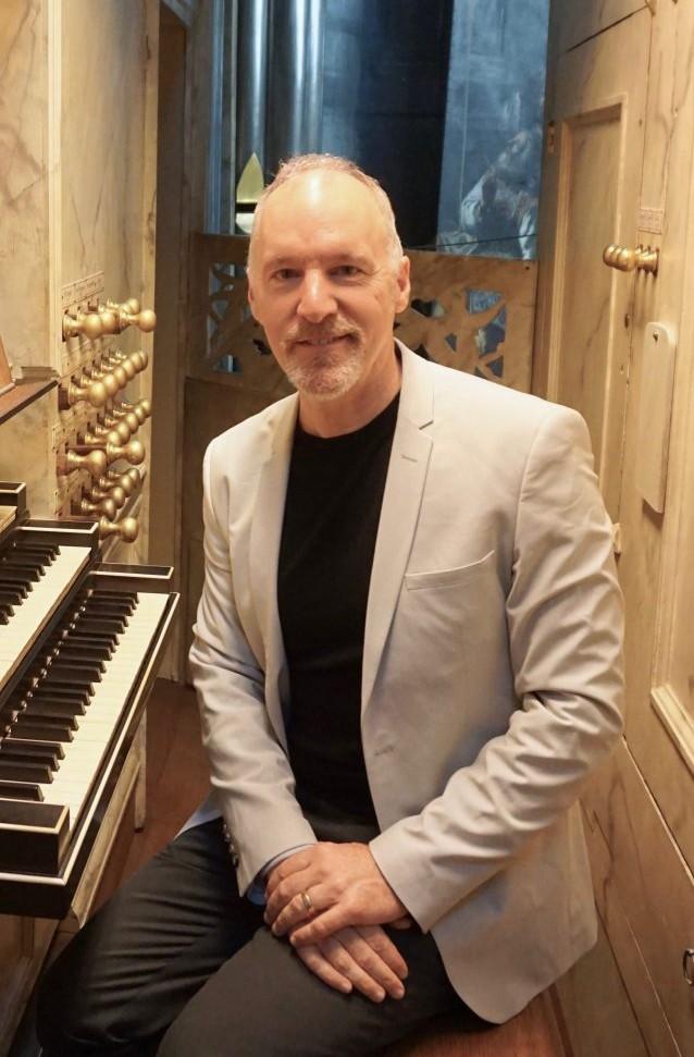 organist Jonathan Dimmock