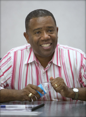 Rev.Dr. ALEX Gee Jr.