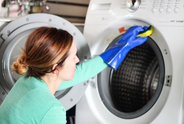 لما يتوجب علينا تنظيف غسالة الملابس كل شهر؟