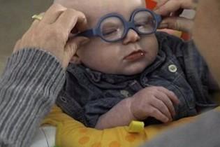 بالفيديو: ردة فعل رضيع يرى أمه بعد ولادتة بـ 4 أشهر..