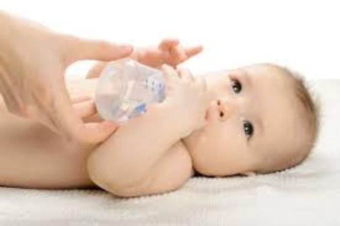 طريقة العلاج المنزلي لأسهال الرضع!