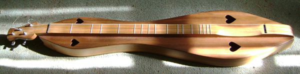 Large Hourglass 4-string dulcimer by Jerry Rockwell. Photo by Mary Lautzenheiser