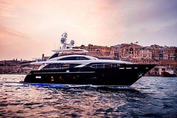 M Class Yacht –Asia Premiere
