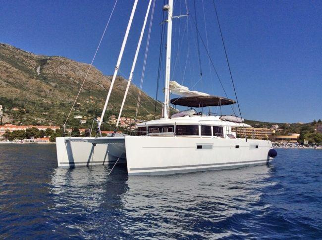 Catamaran Amazing Lady New Lagoon 560 S2