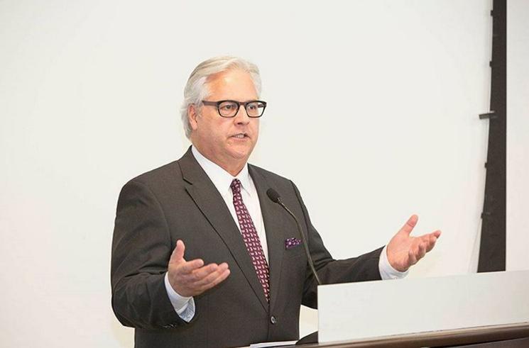 Image de l'Ombudsman pendant un discours
