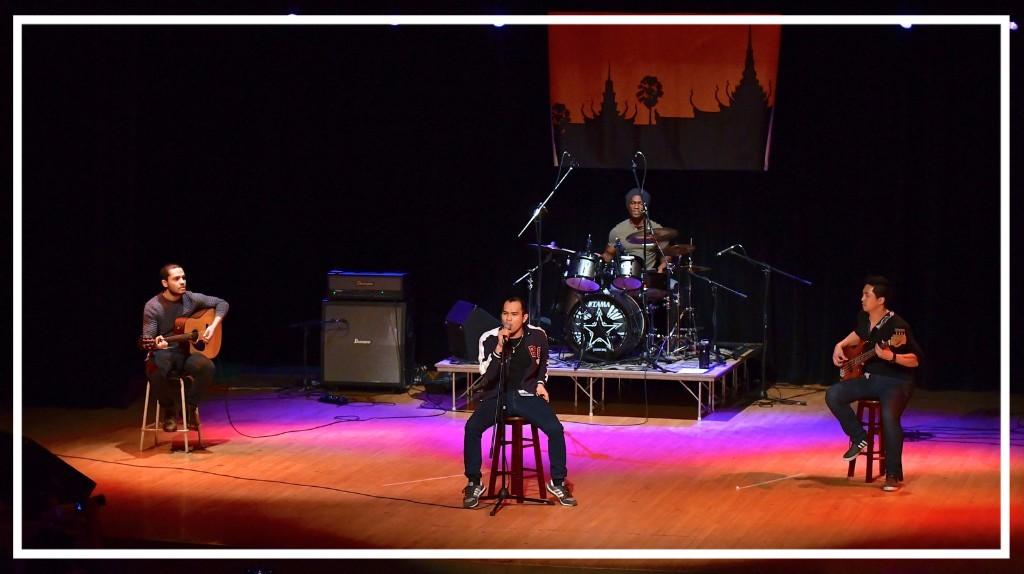 Le groupe Rock Samay avec Kun Mi et ses copains québécois.
