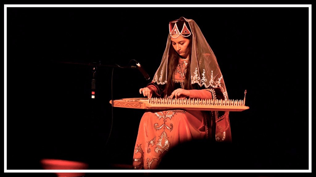 Meghrig Kanzanagian joue le Kanon