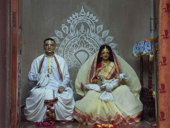 Image of Lord Chaitanya's parent's deities in Mayapur