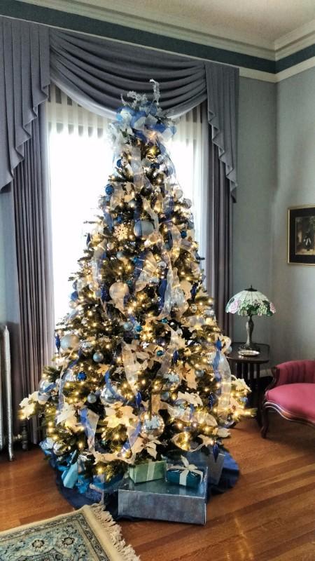 Christmas Tree, Woman's Club