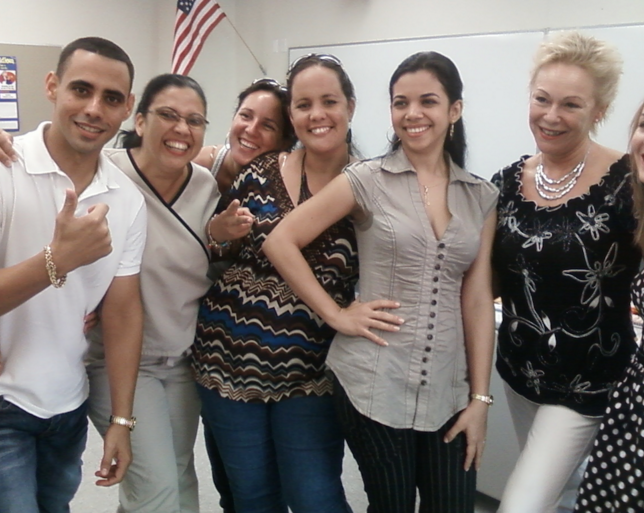 Picture of Lourdes Albo-Beyda and her students.