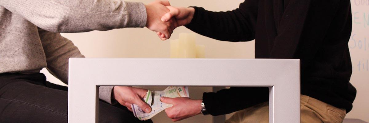 Rapport: Flere betaler penge under bordet for en andelsbolig