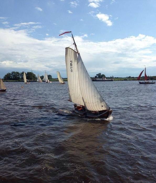 Wethouder Stoel in de tjotter Friso op Boot Holland