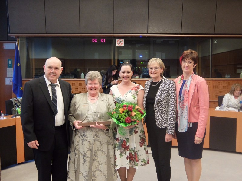 Leo, Margaret and Anne Marie Farrelly, Mairead McGuinness MEP and Maura Canning, Chair of IFA Farm Family & Social Affairs Committee