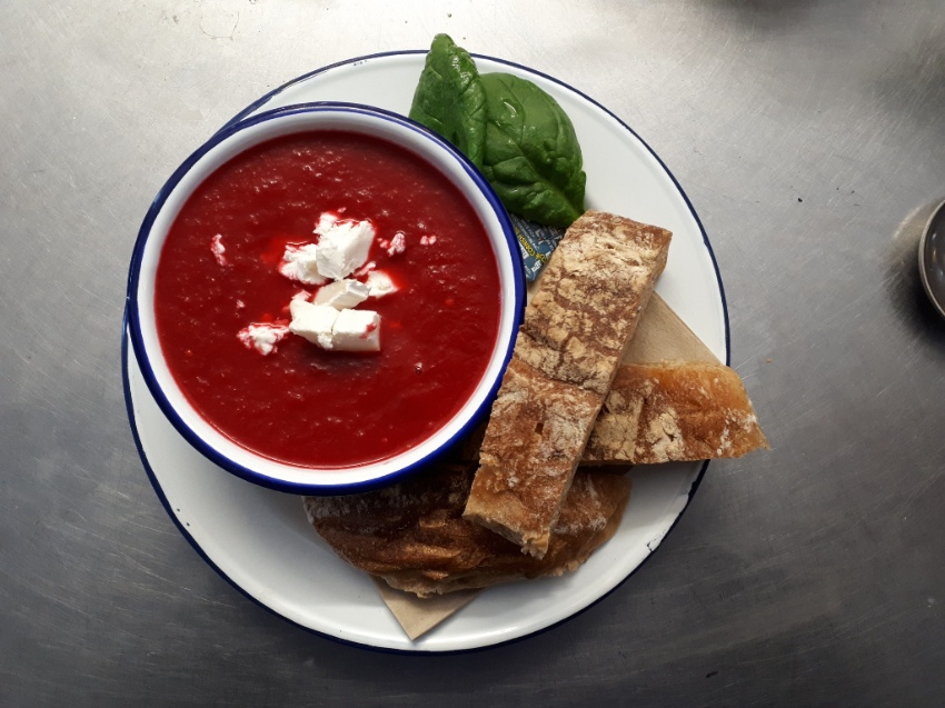 Tube Red beet soup