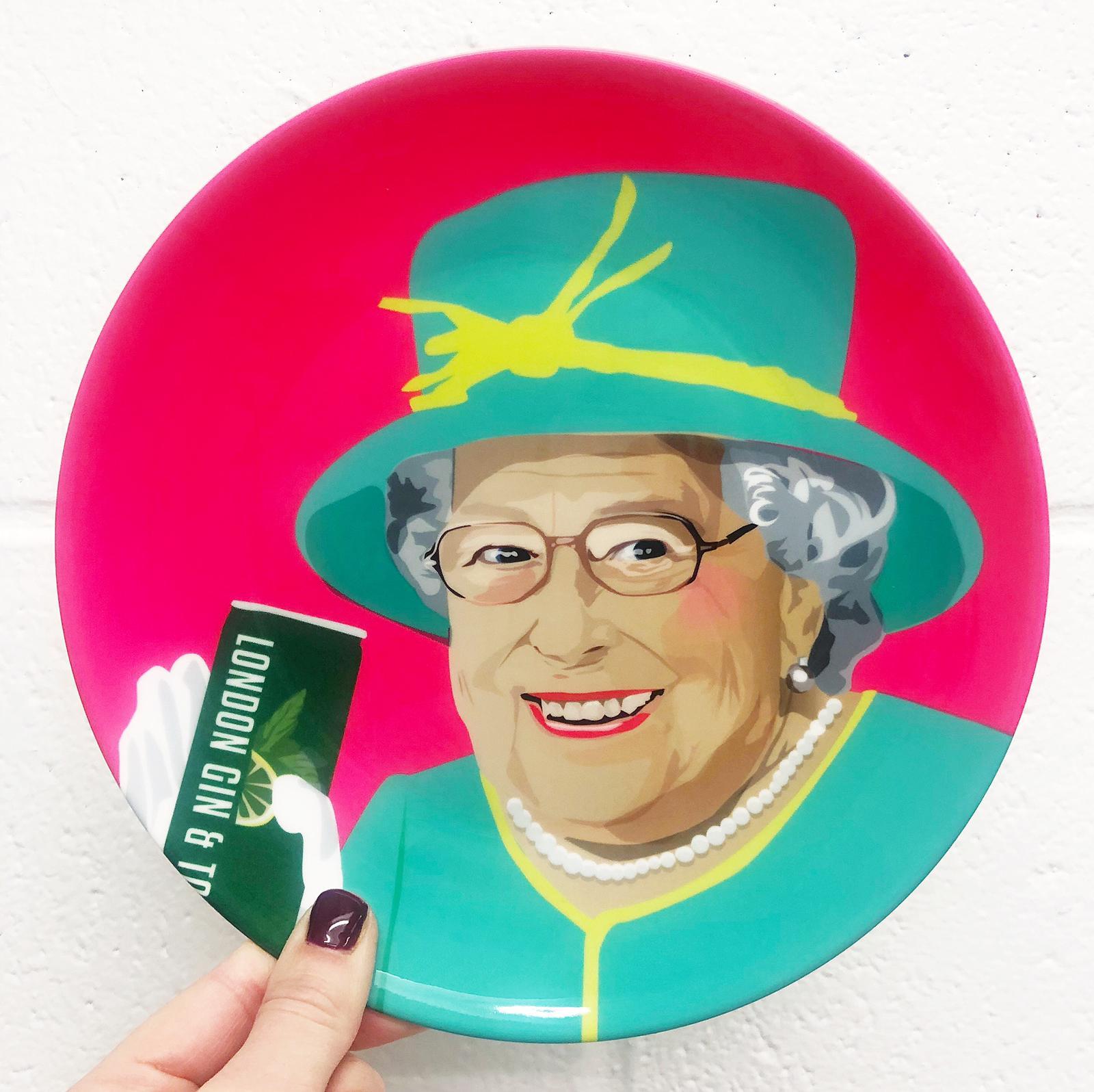 Cool dinner plates: Royal Family by designer Sabi Koz – buy on Artwow
