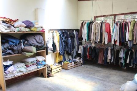 Tienda de ropa de segunda mano renovada