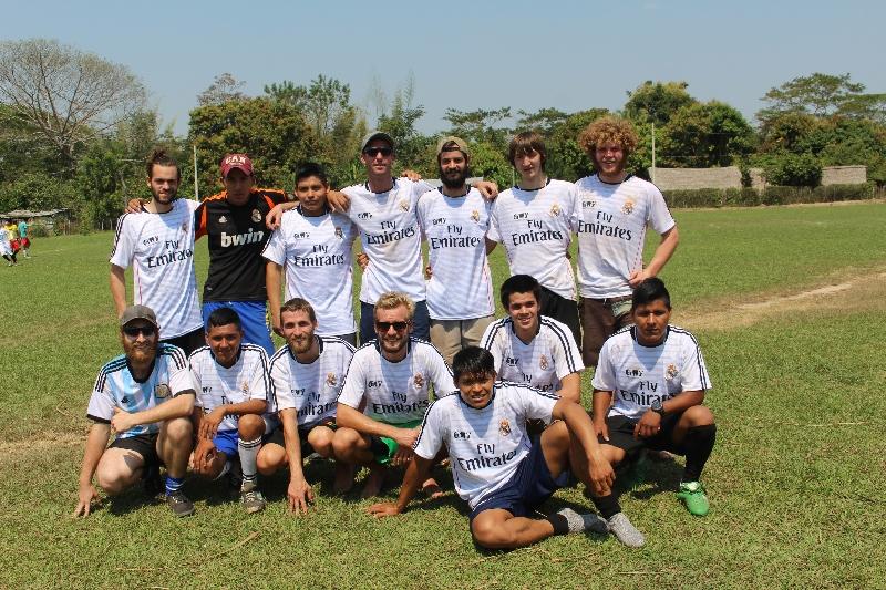Equipo de fútbol - aniversario de Santa María