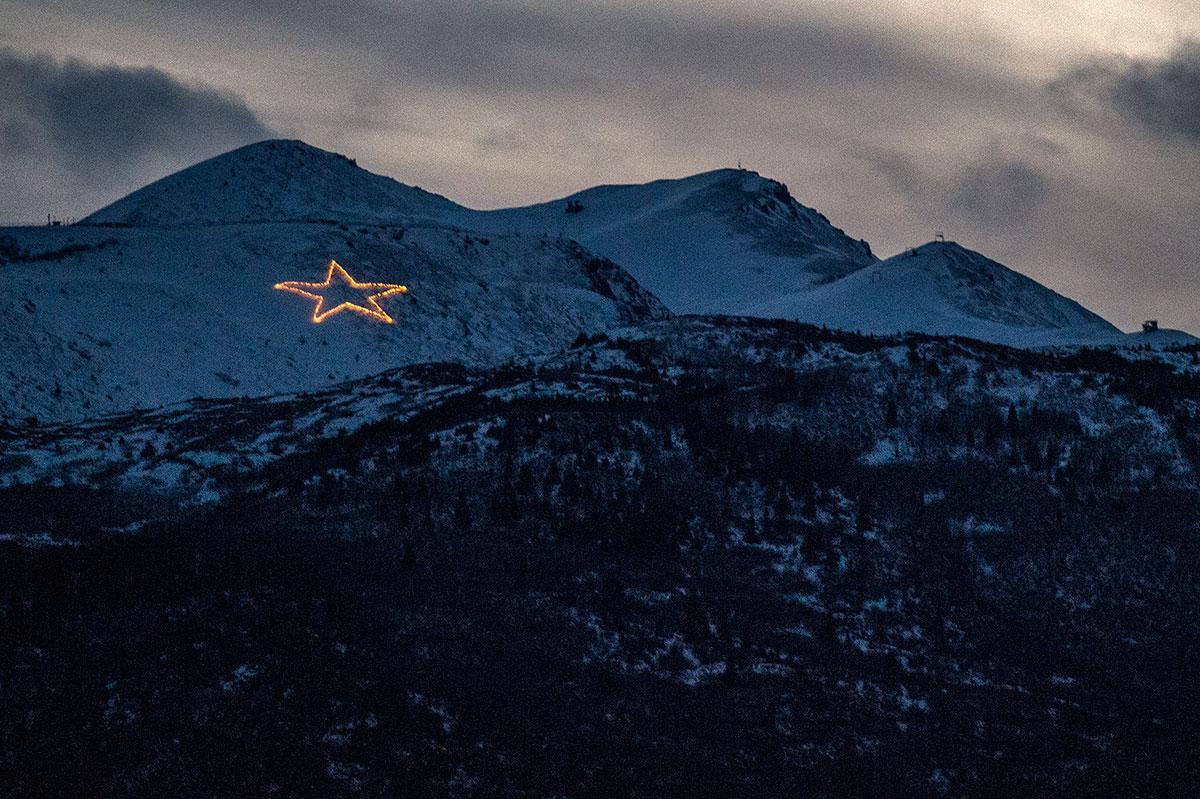 Capricorn Anchorage Alaska Holiday Star Chugach Mountains