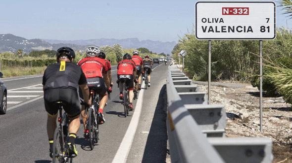Wielrenners zijn niet veilig op de wegen in Spanje.